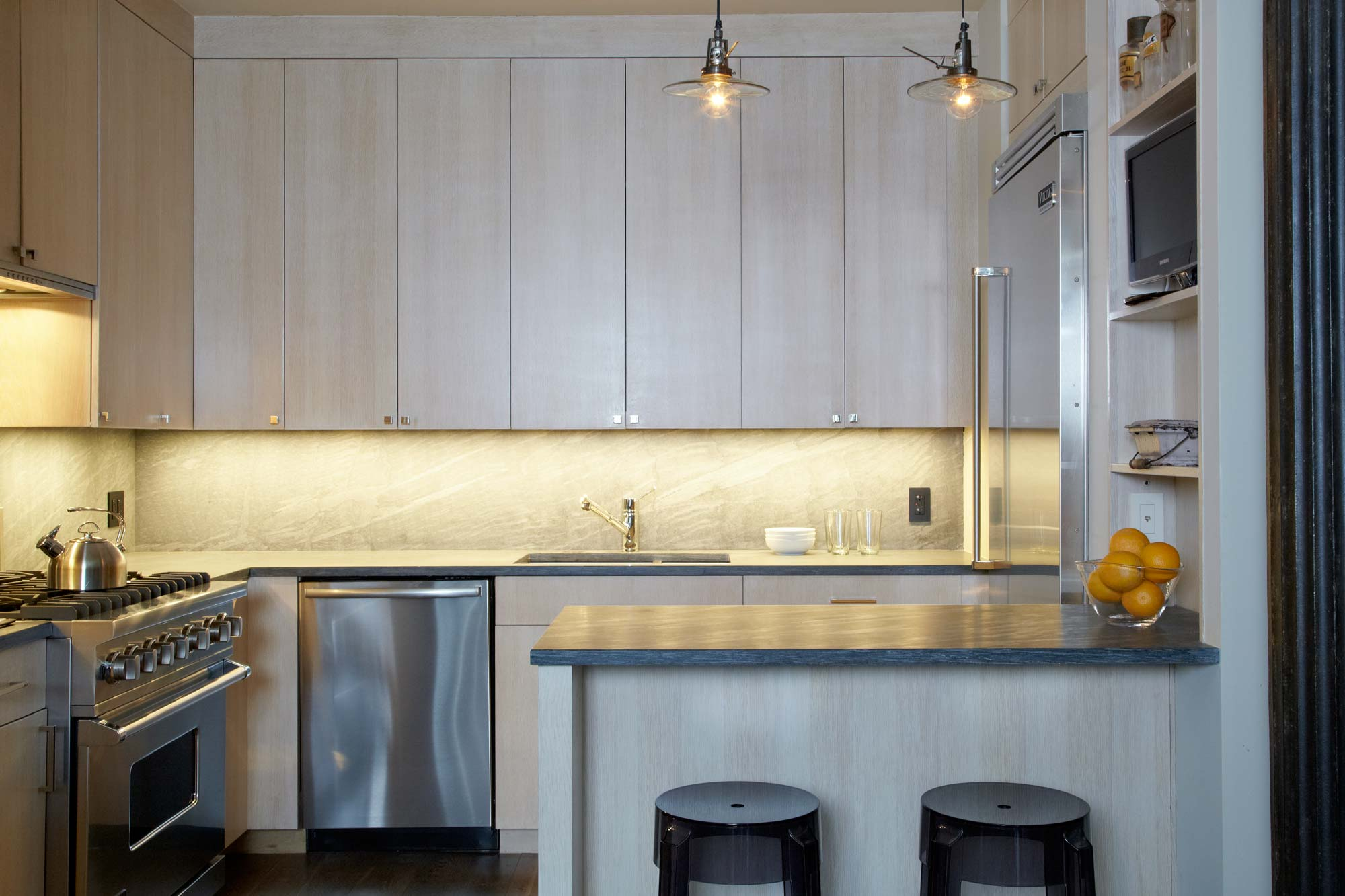brooke moorhead design tribeca loft kitchen