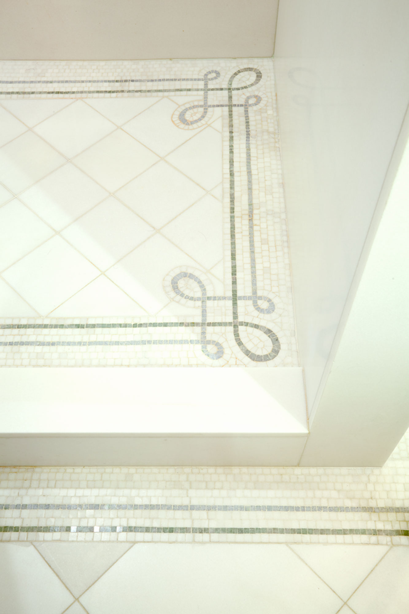 brooke moorhead interior design 5th avenue classic bathroom detail