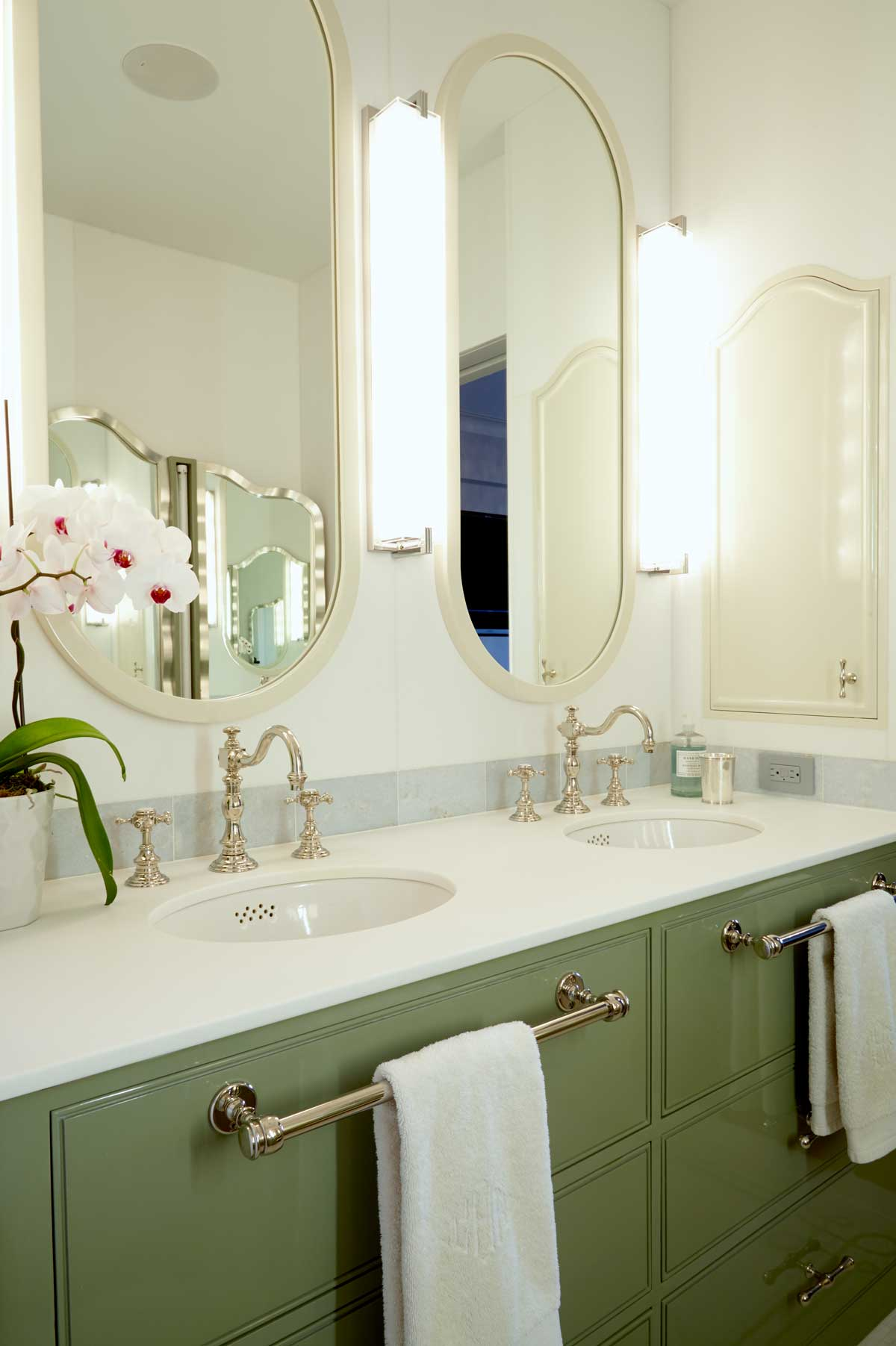 brooke moorhead design 5th avenue classic bathroom